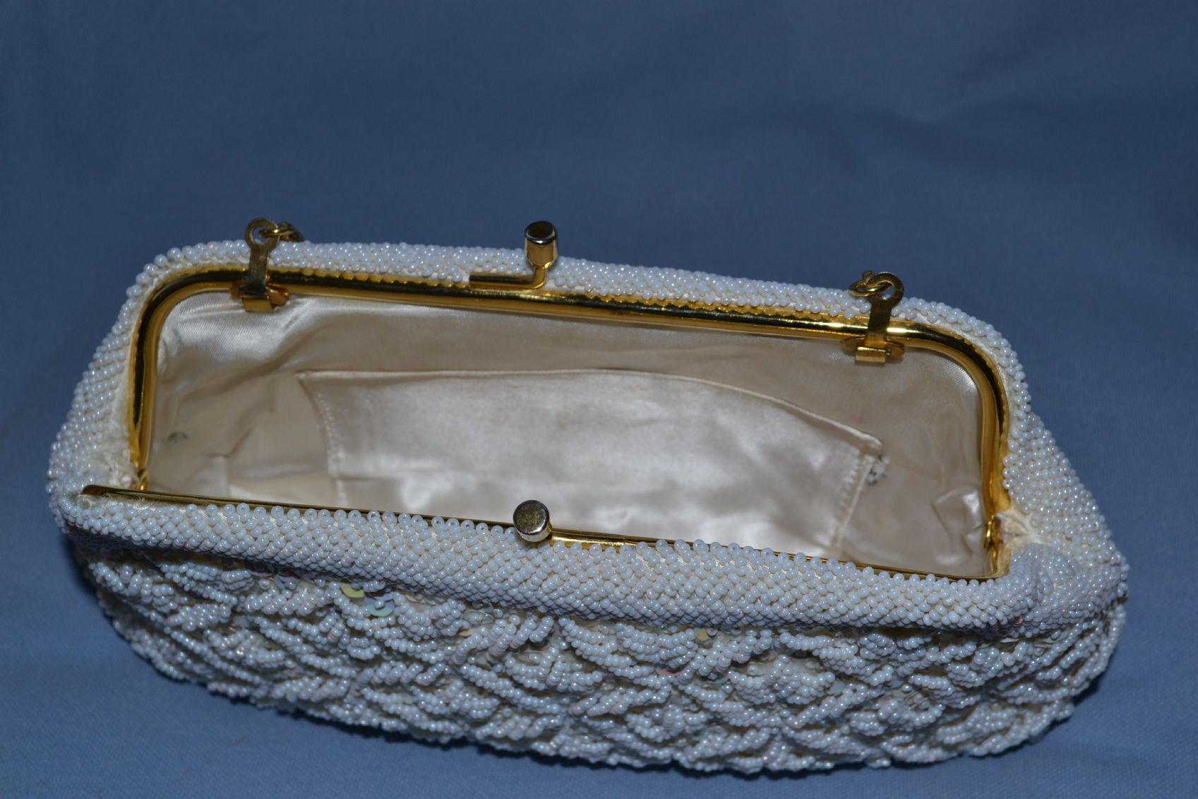 31aa31ef884d1 Vintage Clutch Purse of Evening Bag 1950s - 1960s Sequins and Beads in a Trellis  Pattern